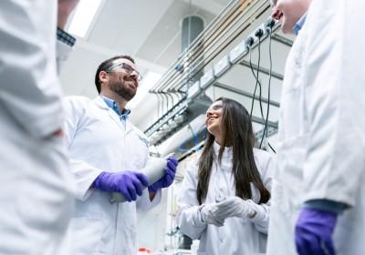 Partisipasi Perempuan di Bidang STEM